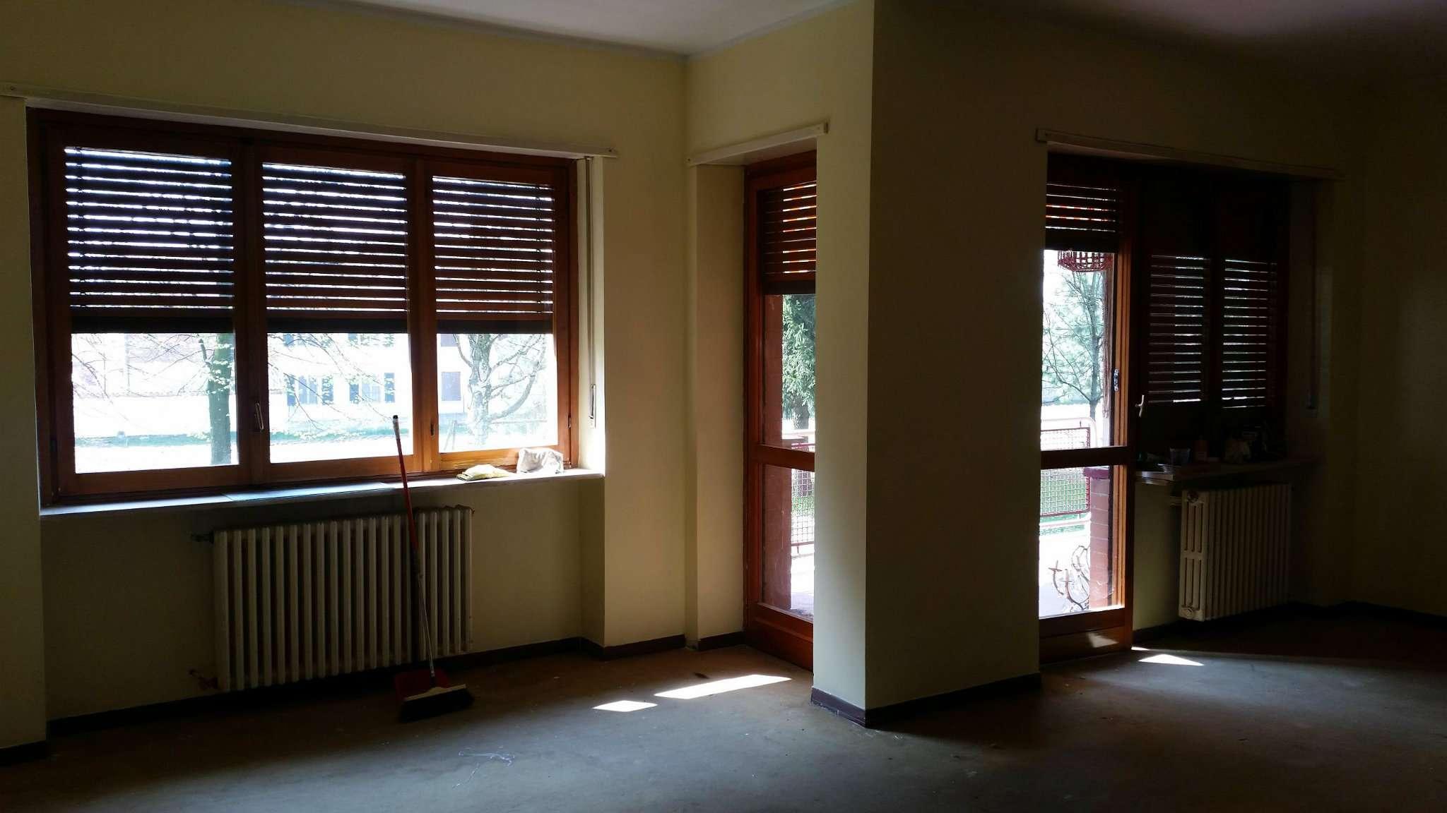 Appartamento in vendita a Santena, 5 locali, prezzo € 178.000 | Cambio Casa.it