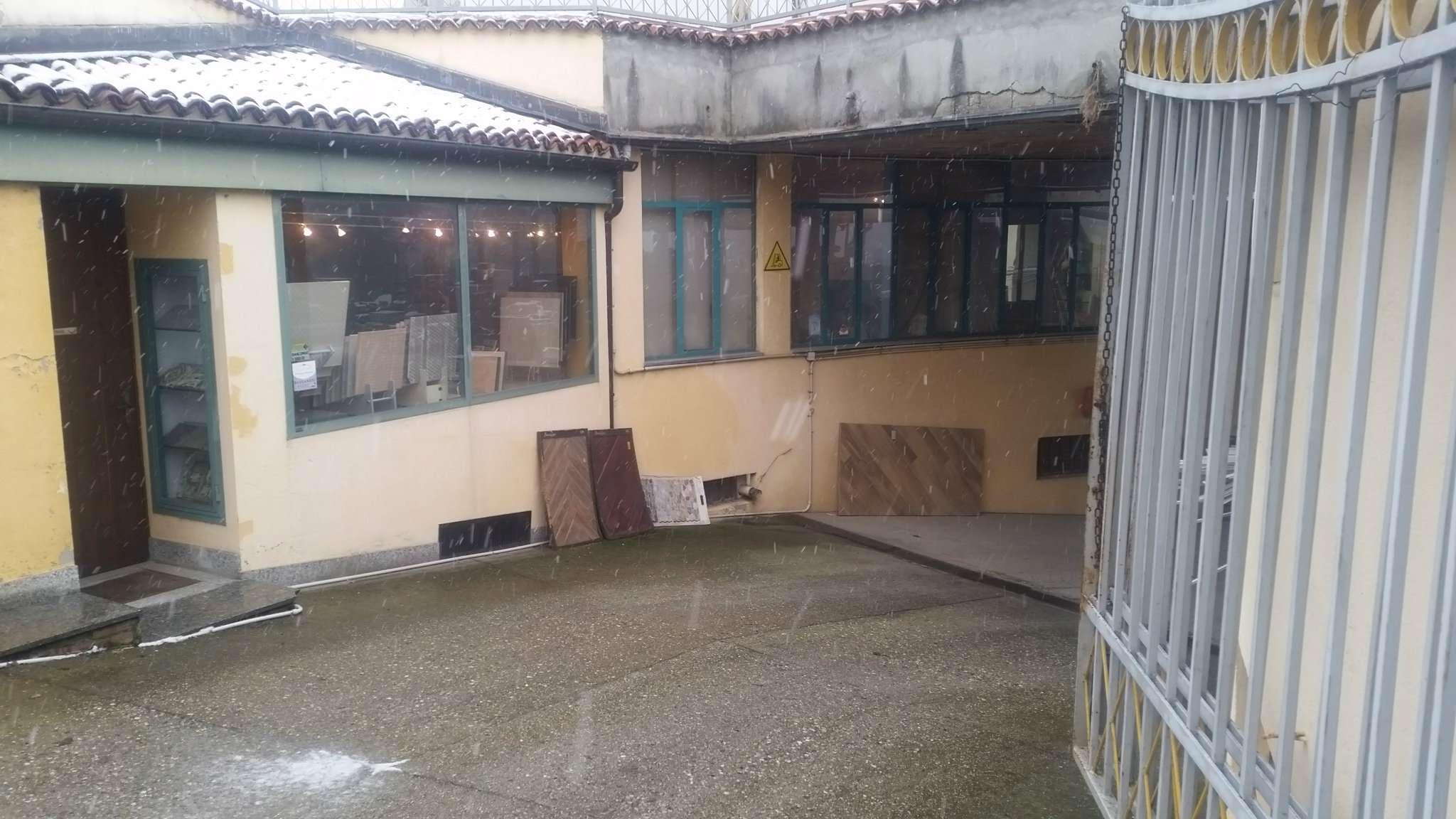 magazzino-deposito  in Vendita a Pecetto Torinese