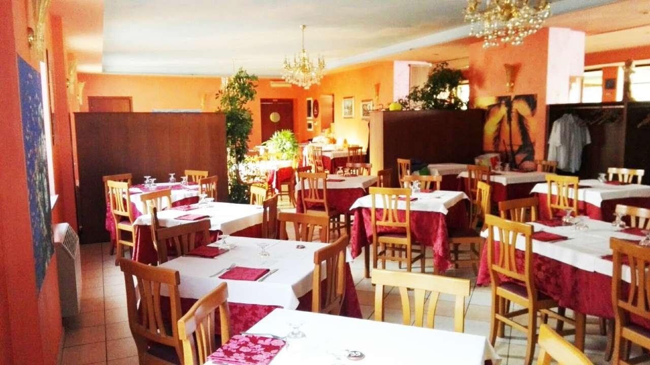 Ristorante / Pizzeria / Trattoria in vendita a Poirino, 9999 locali, prezzo € 110.000 | Cambio Casa.it