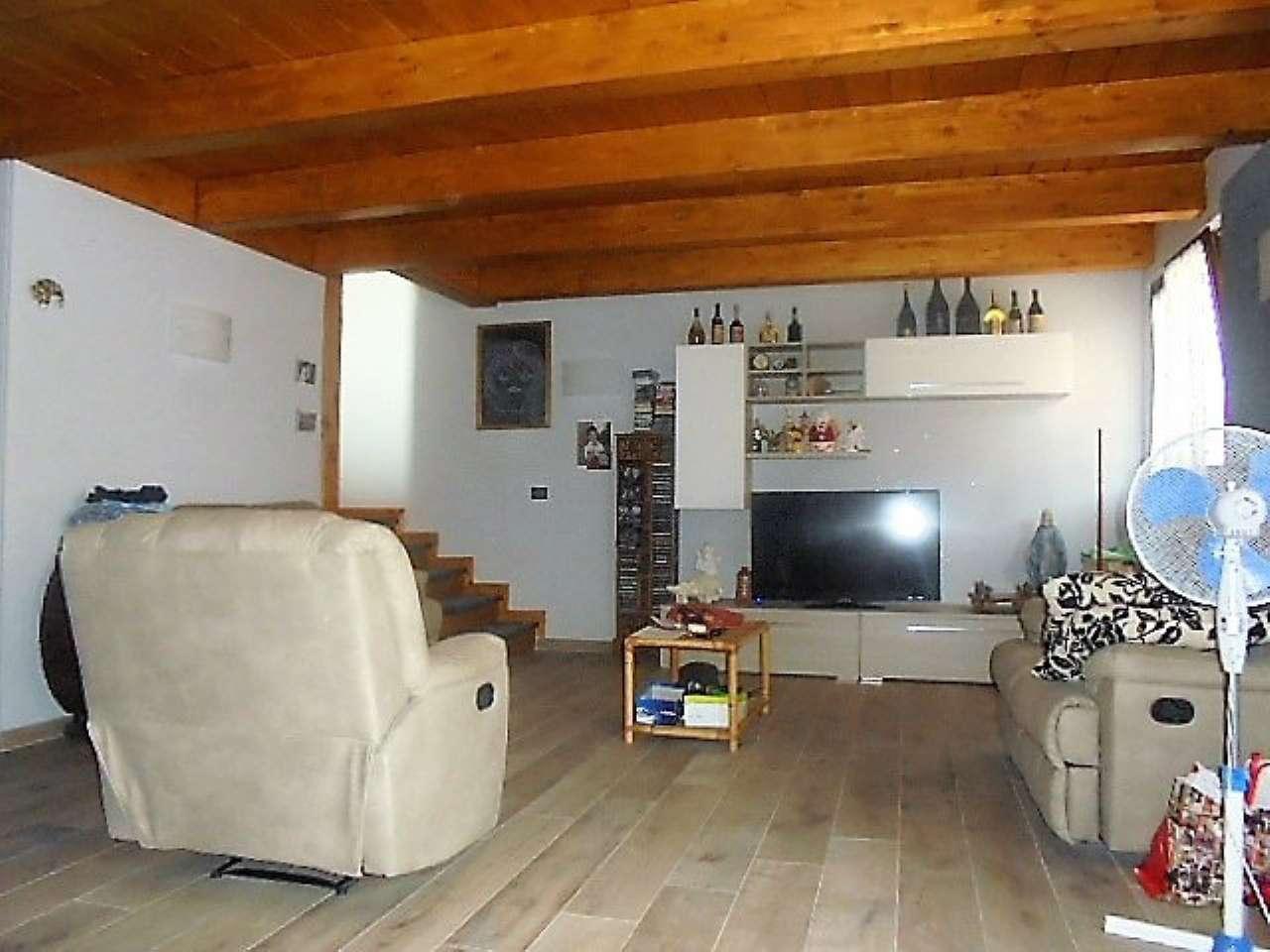 Appartamento in vendita a Santena, 3 locali, prezzo € 145.000 | CambioCasa.it