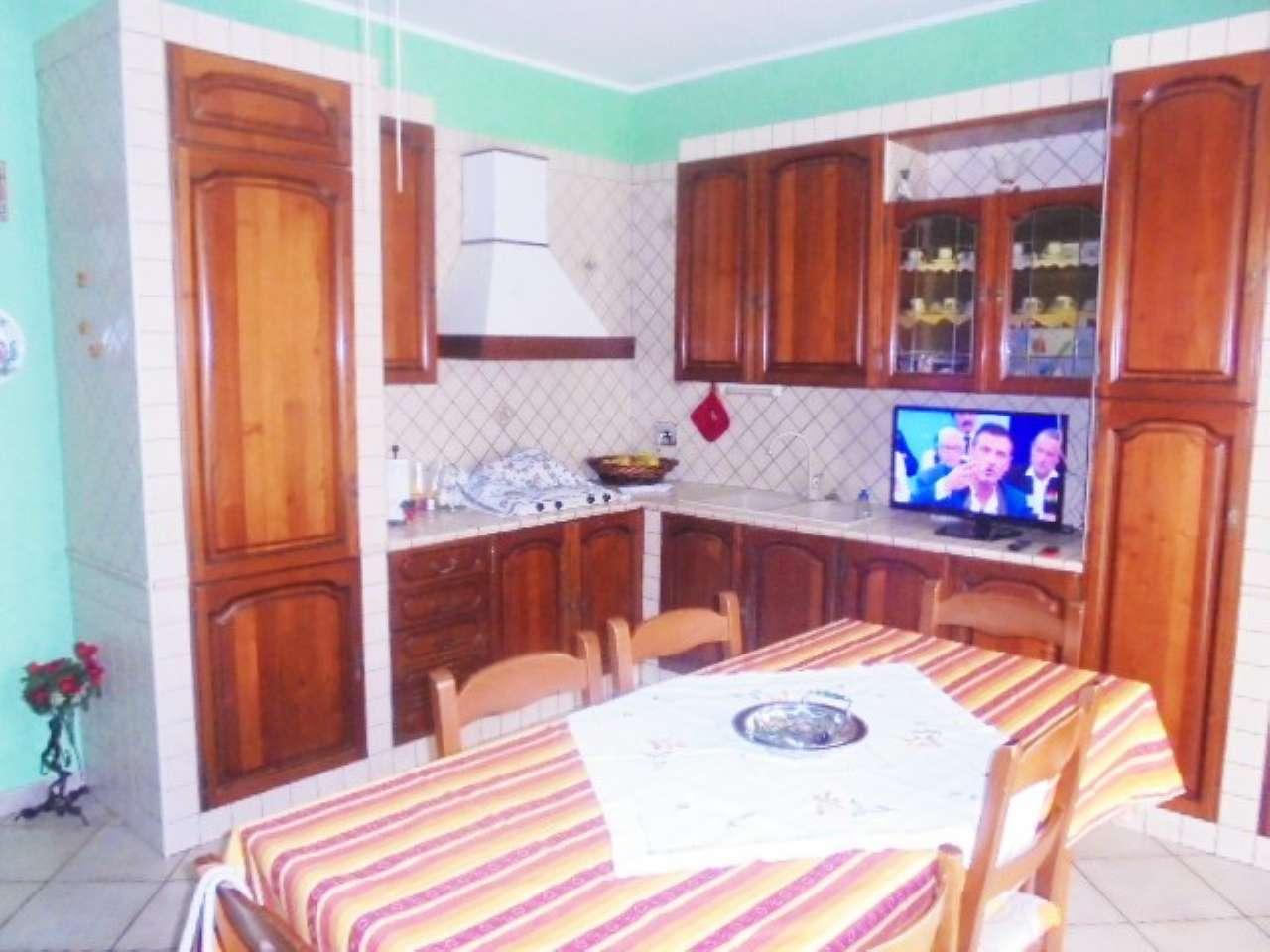 Appartamento in vendita a Santena, 3 locali, prezzo € 110.000 | CambioCasa.it