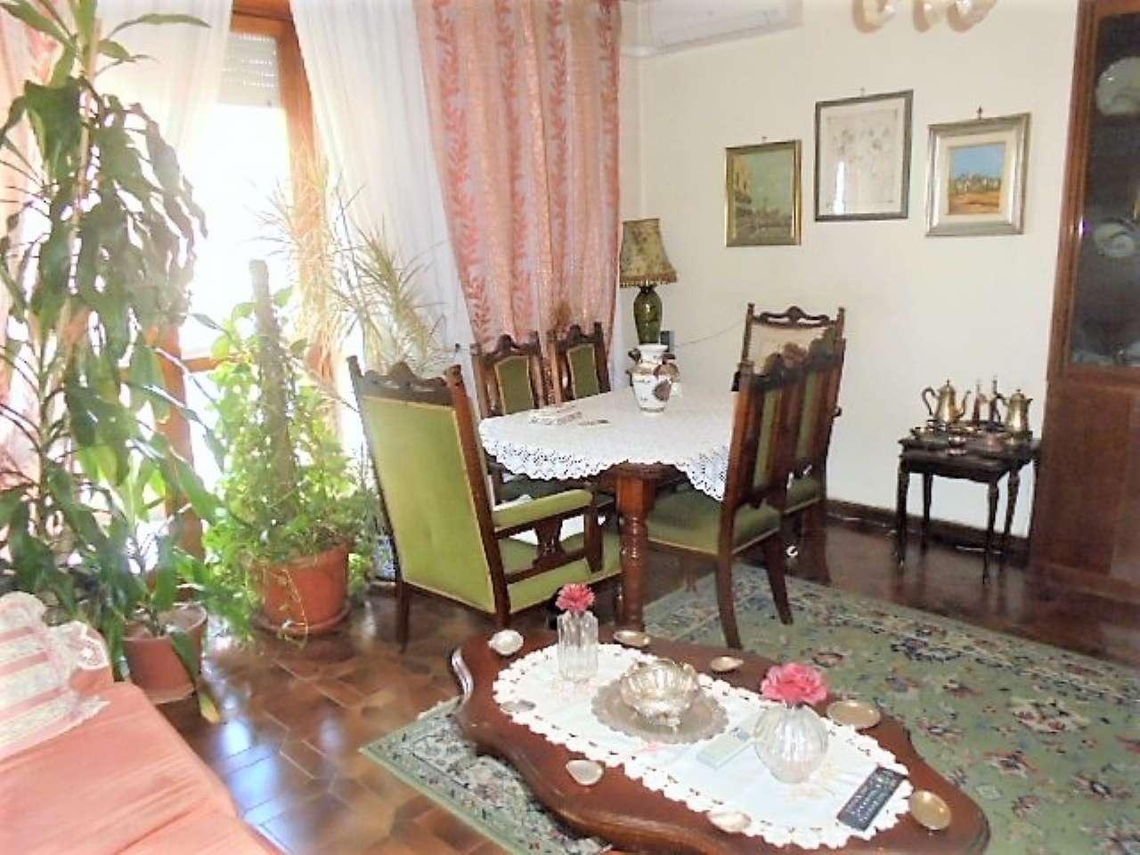 Appartamento in vendita a Santena, 4 locali, prezzo € 145.000 | CambioCasa.it