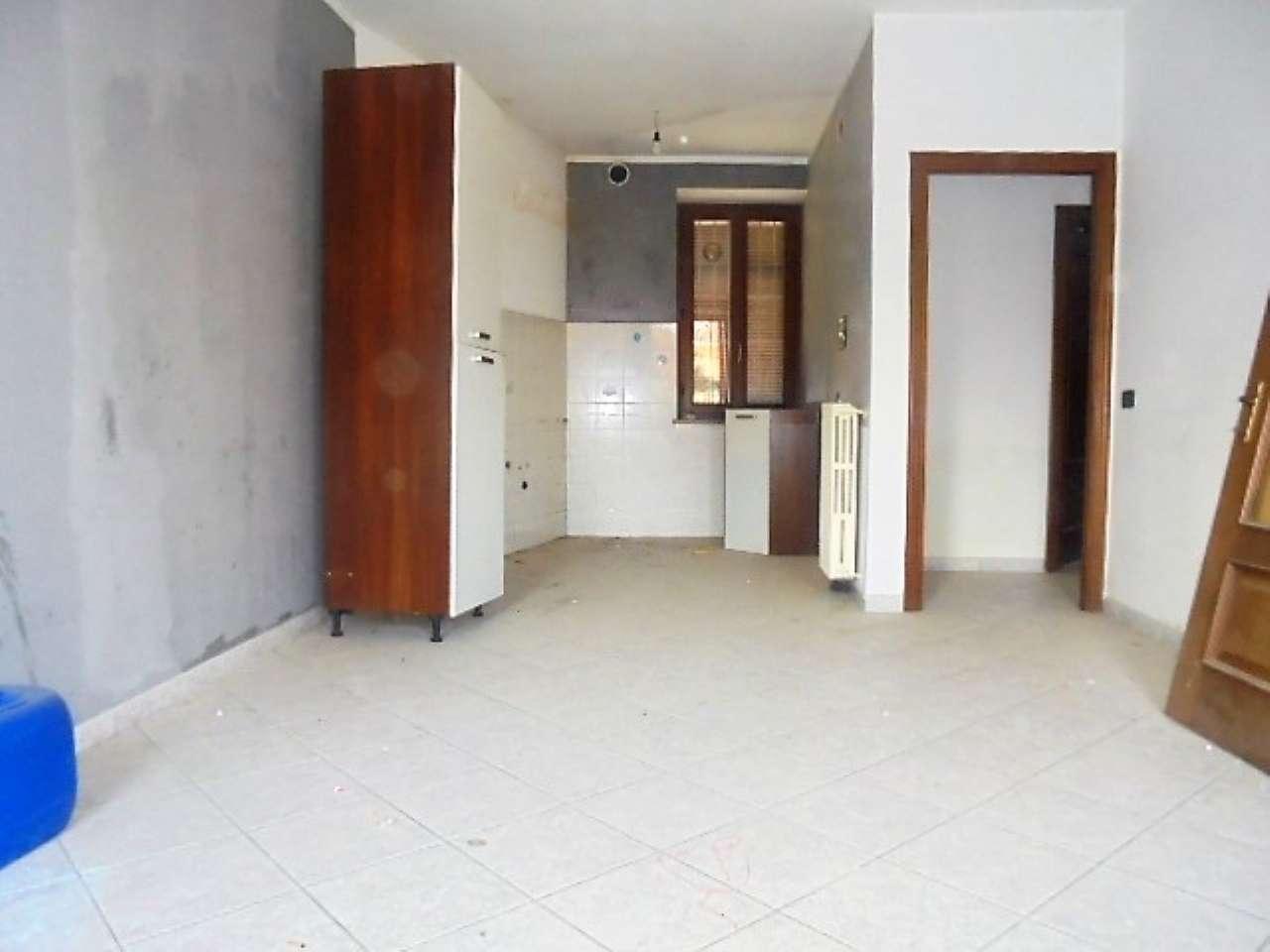 Appartamento in vendita a Santena, 3 locali, prezzo € 135.000 | CambioCasa.it