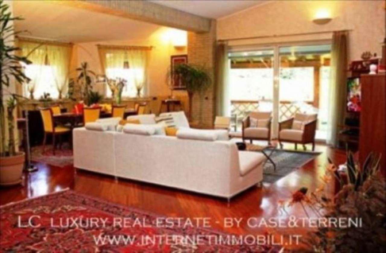 Villa in vendita a Cassina de' Pecchi, 6 locali, prezzo € 1.390.000 | Cambio Casa.it