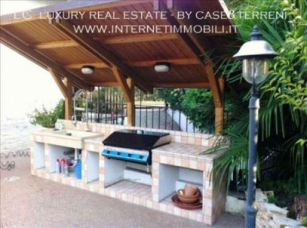 Villa in vendita a Cassina de' Pecchi, 6 locali, prezzo € 990.000 | Cambio Casa.it