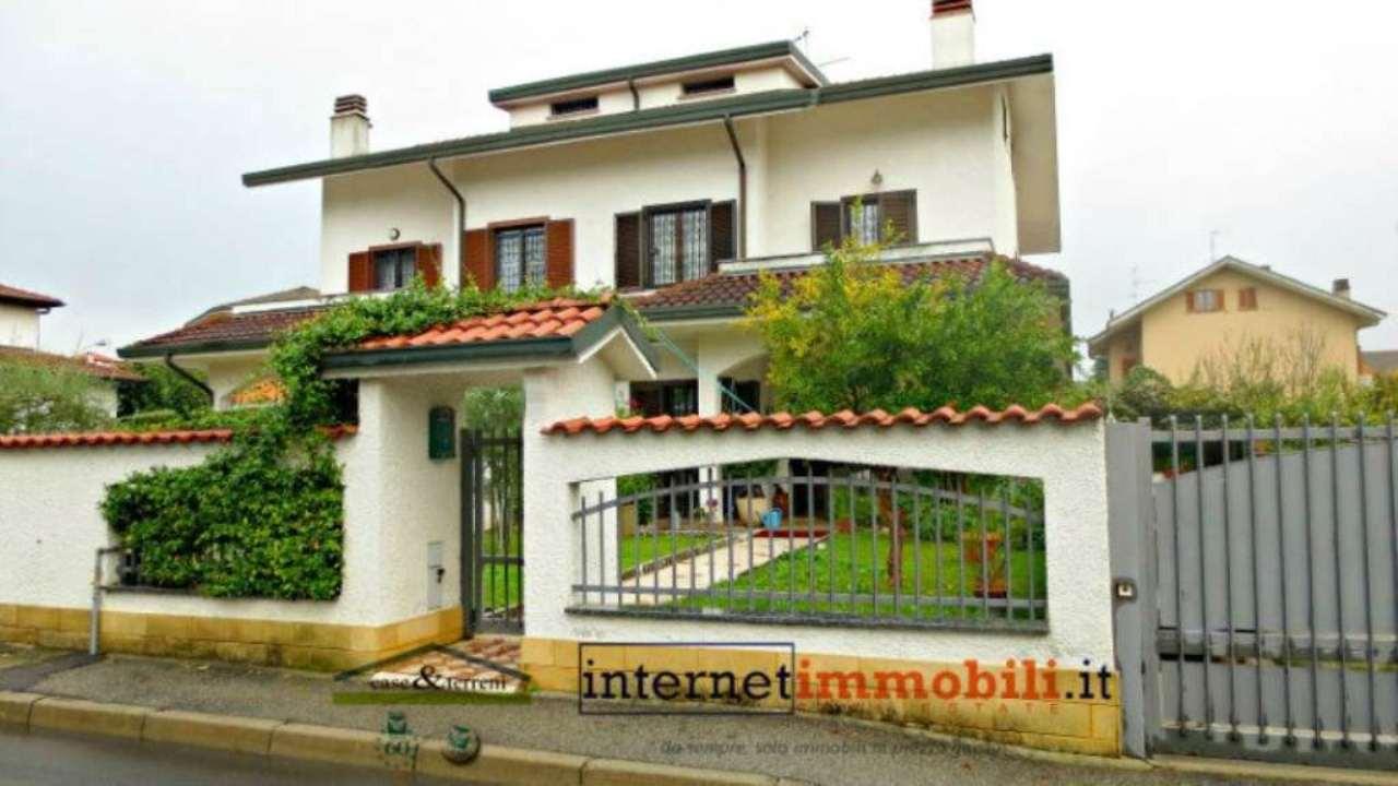 Villa in vendita a Cernusco sul Naviglio, 4 locali, prezzo € 695.000 | CambioCasa.it