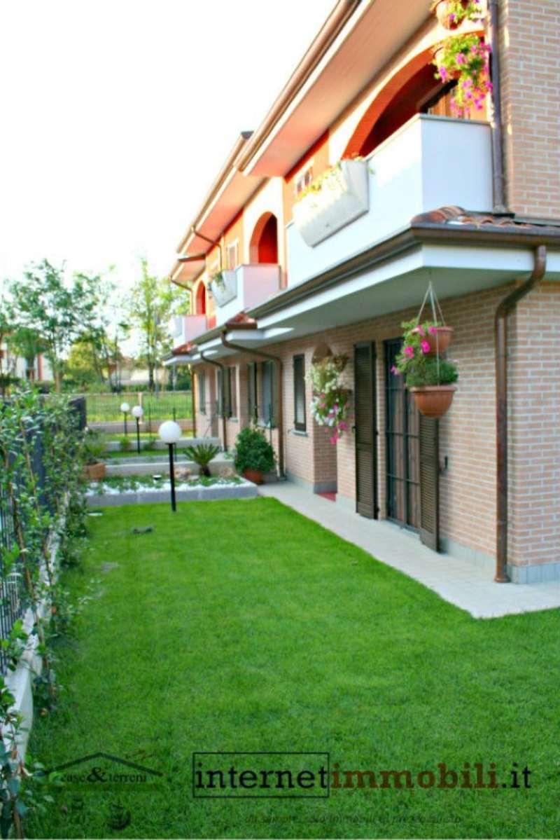 Villa a Schiera in vendita a Cassina de' Pecchi, 4 locali, prezzo € 420.000   Cambio Casa.it