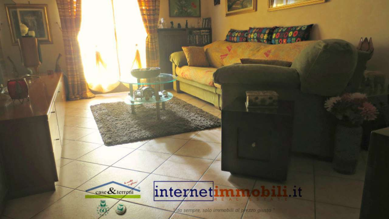 Appartamento in vendita a Carugate, 3 locali, prezzo € 195.000 | CambioCasa.it