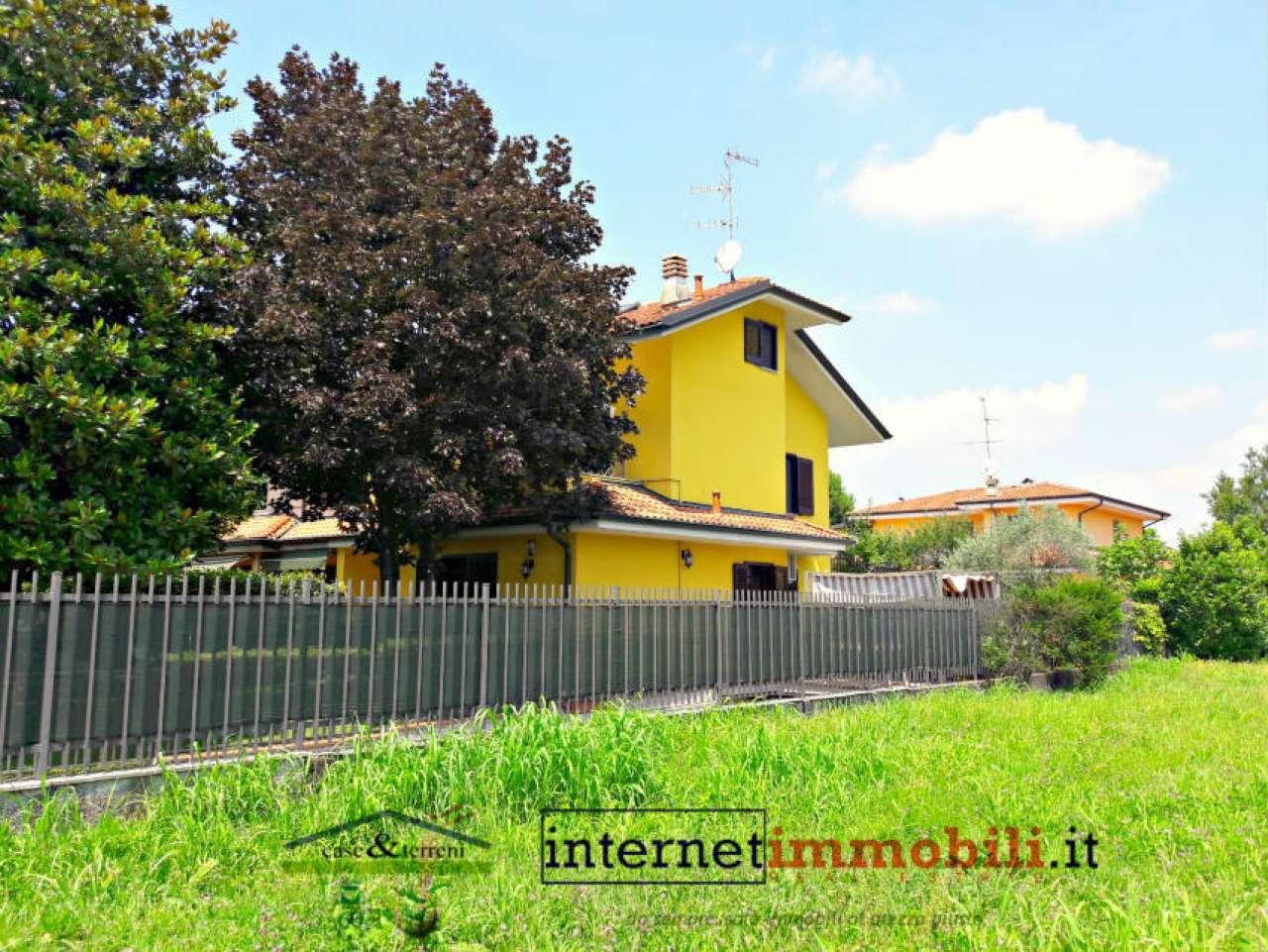 Villa in vendita a Cernusco sul Naviglio, 5 locali, prezzo € 650.000 | Cambio Casa.it