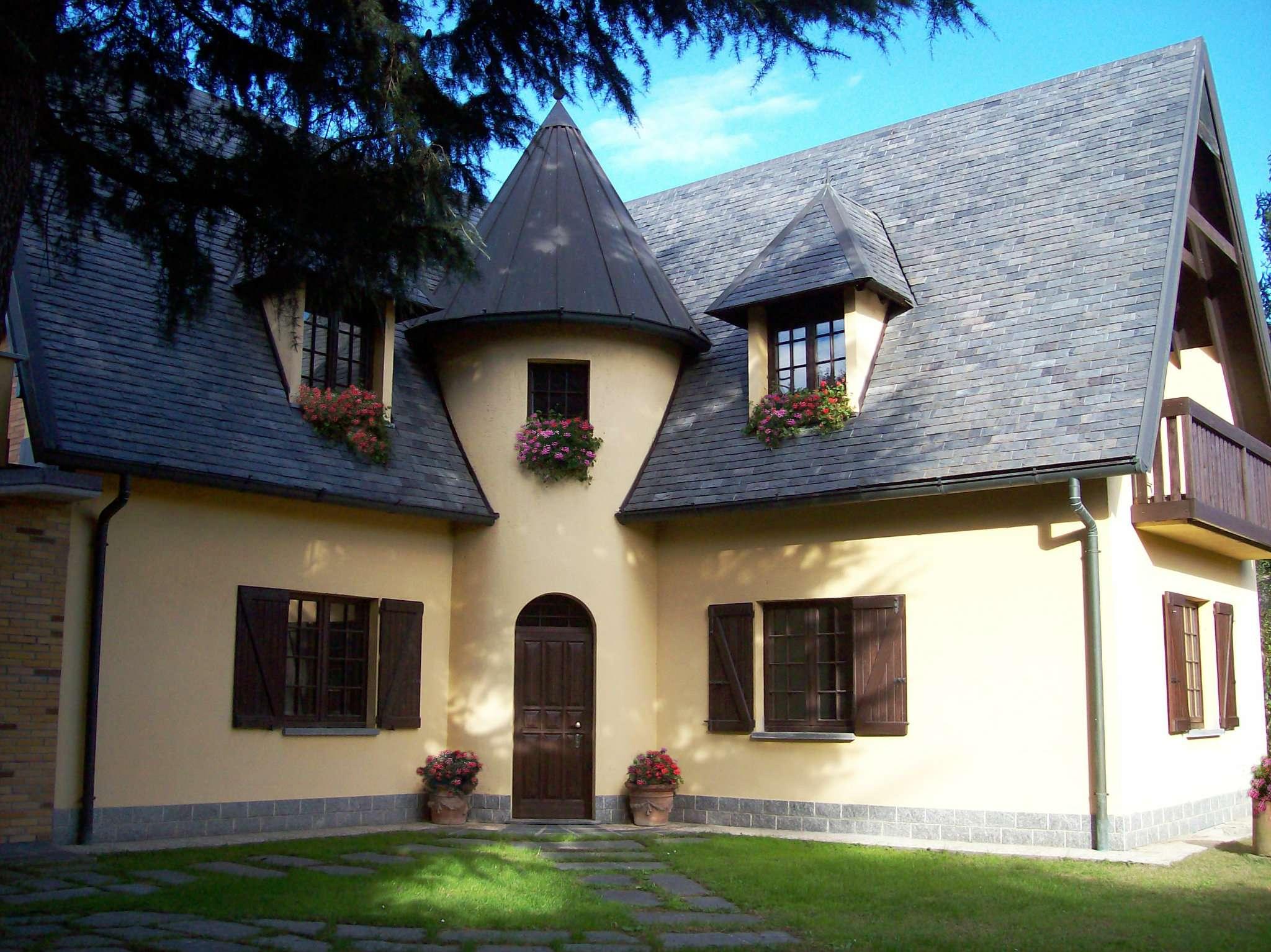 Villa in vendita a Gorgonzola, 5 locali, prezzo € 710.000 | CambioCasa.it