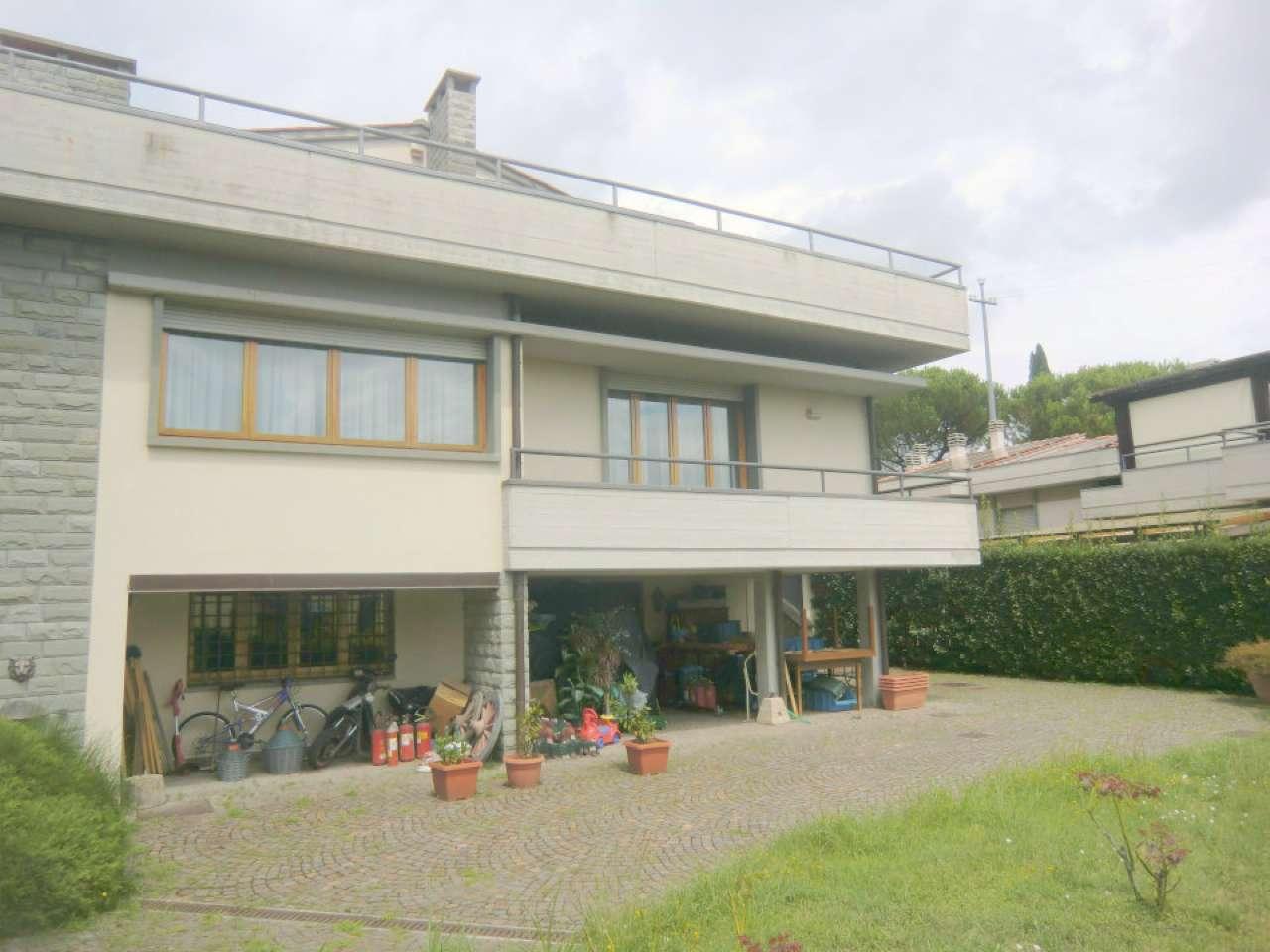 Villa in vendita a Lastra a Signa, 9 locali, prezzo € 850.000 | CambioCasa.it