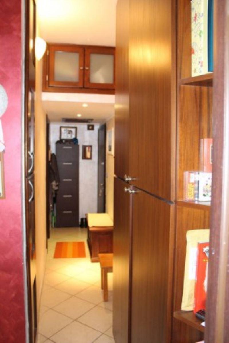 Bilocale Torino Via Emilio Salgari 5