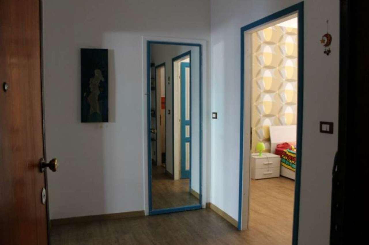 Bilocale Torino Via Rossetti 12