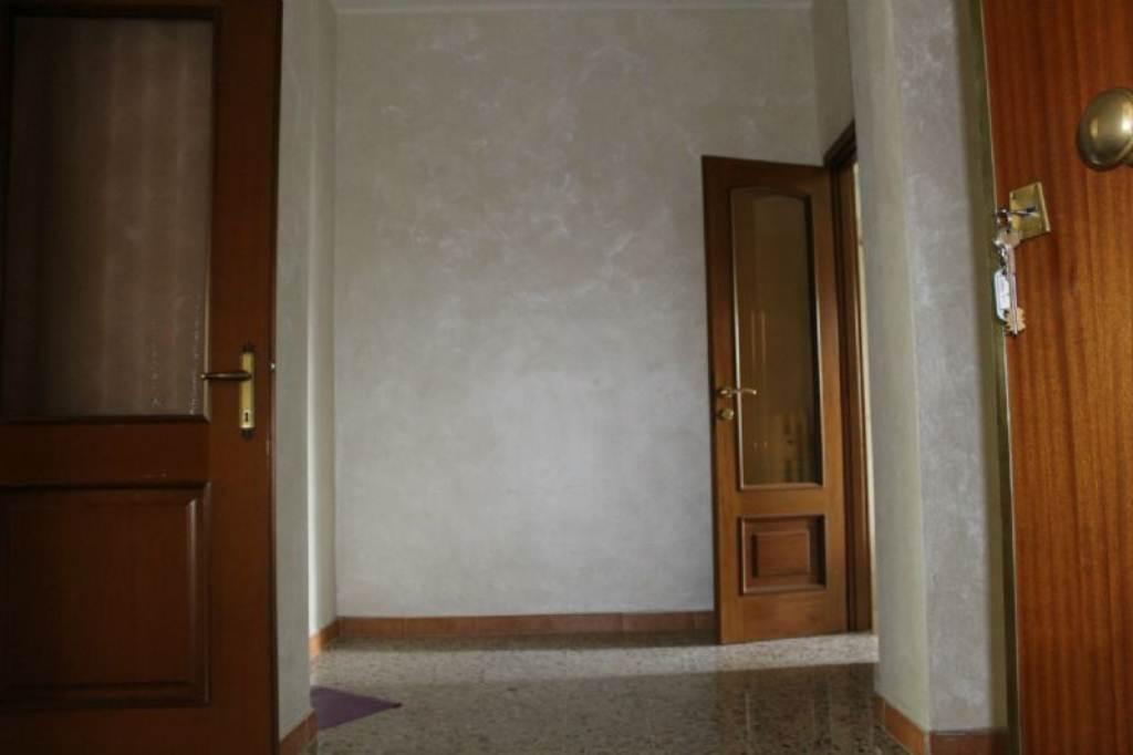 Bilocale Torino Corso Taranto 6