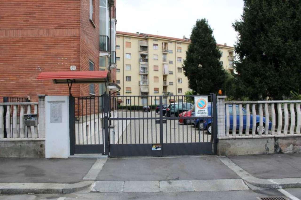 Bilocale Torino Via Petrella 6