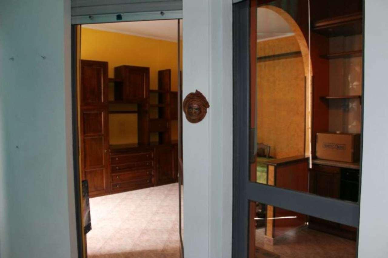 Bilocale Torino Via Petrella 12