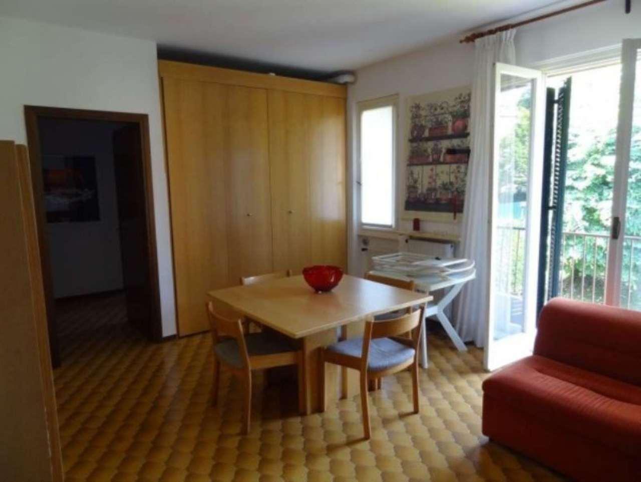 Appartamento in vendita a Laveno-Mombello, 2 locali, prezzo € 97.000 | Cambio Casa.it