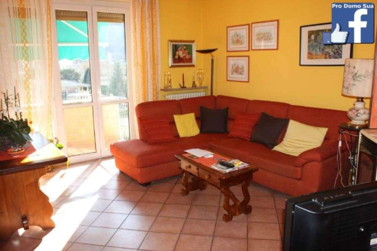 Appartamento in vendita a Laveno-Mombello, 3 locali, prezzo € 150.000 | Cambio Casa.it
