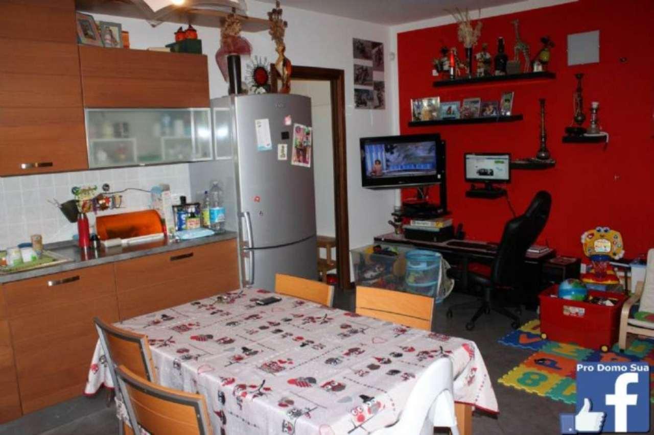 Appartamento in vendita a Caravate, 2 locali, prezzo € 99.000 | Cambio Casa.it