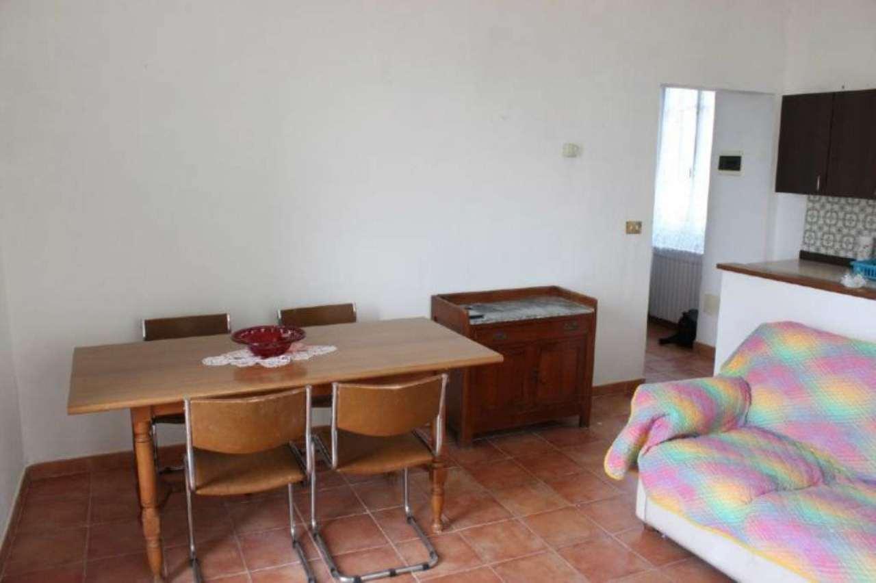 Appartamento in affitto a Laveno-Mombello, 2 locali, prezzo € 400 | Cambio Casa.it