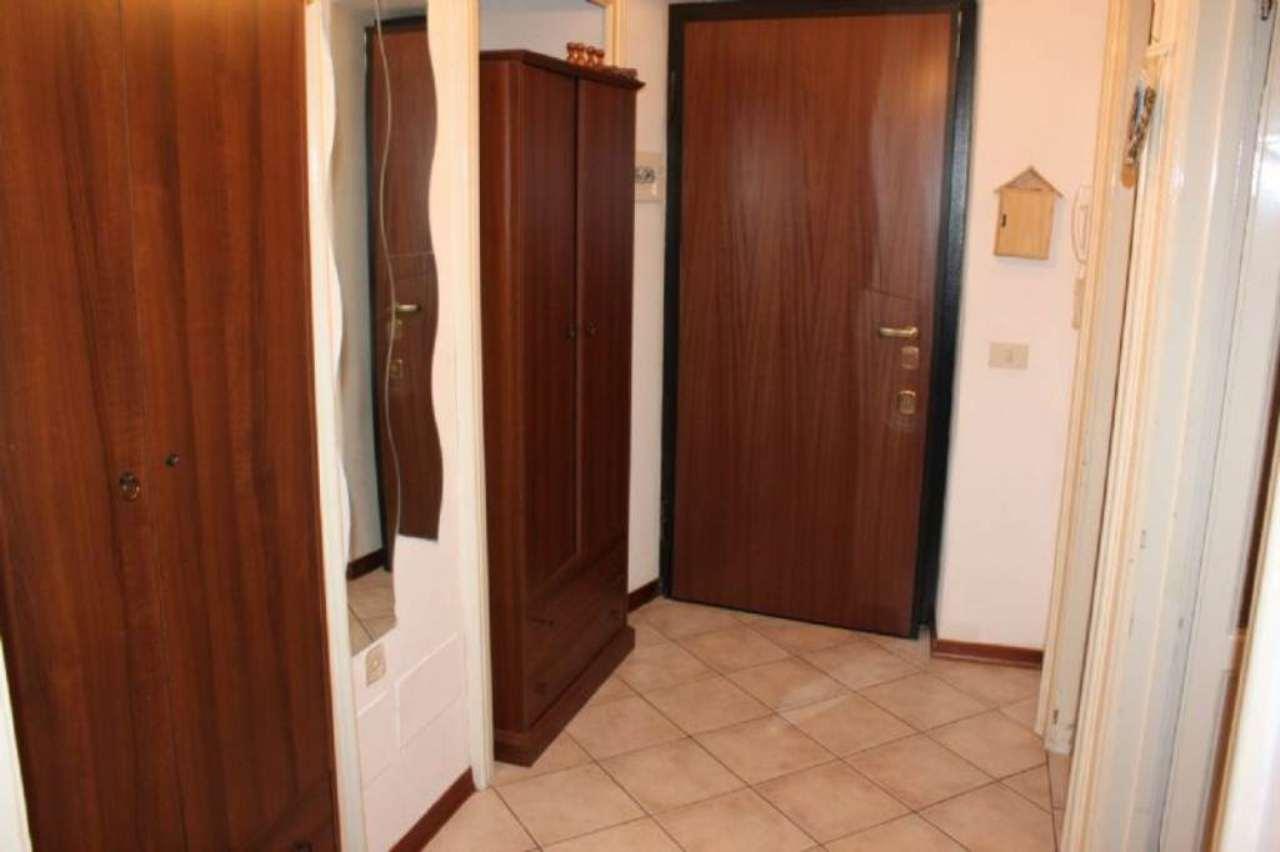 Appartamento in Affitto a Laveno-Mombello
