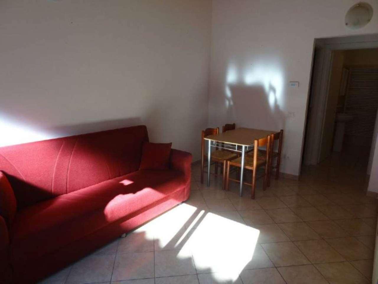 Appartamento in affitto a Besozzo, 2 locali, prezzo € 400 | CambioCasa.it