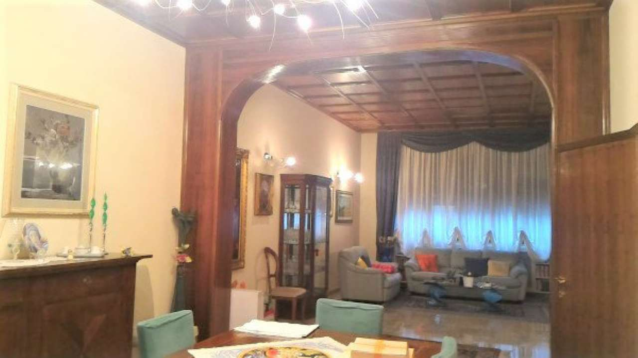 Palazzo / Stabile in vendita a Prato, 10 locali, prezzo € 600.000 | Cambio Casa.it
