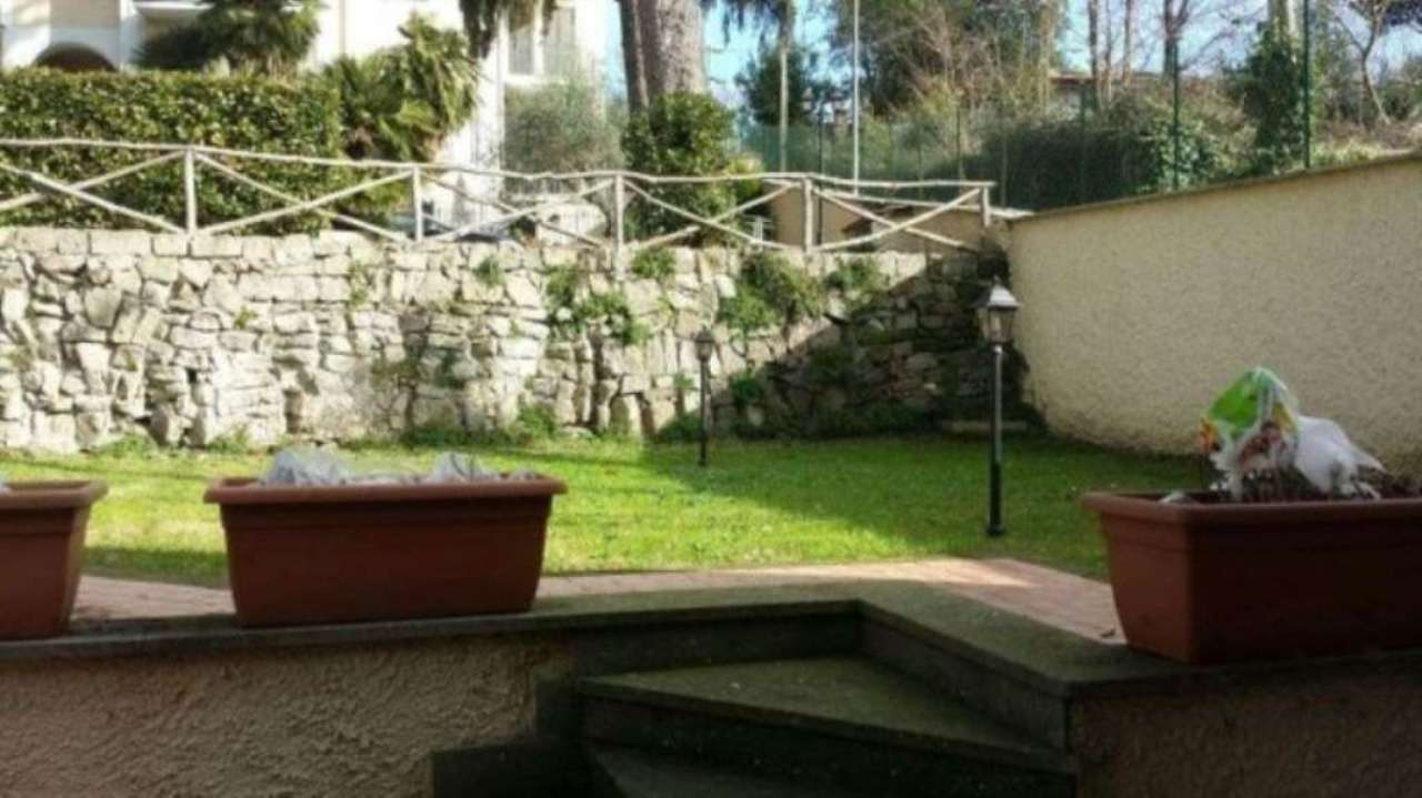 Villa in vendita a Grottaferrata, 3 locali, prezzo € 355.000 | Cambio Casa.it