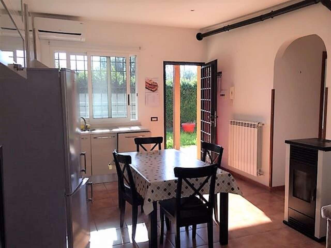Villa in affitto a Roma, 3 locali, zona Zona: 18 . Ardeatino - Grotta Perfetta - Fonte Meravigliosa, prezzo € 850 | Cambio Casa.it