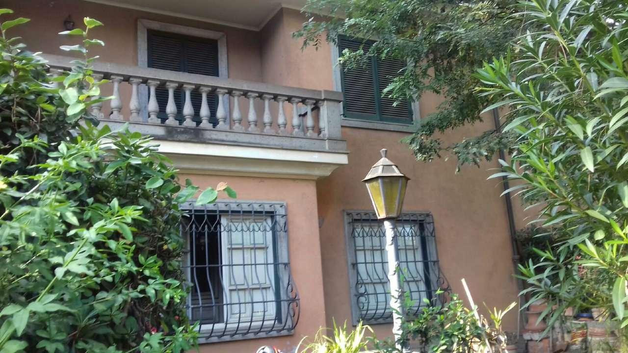 Ville tri quadrifamiliare in vendita a roma for Ville in vendita appia antica