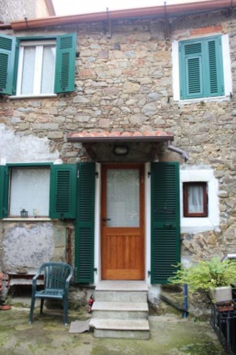 Appartamento in vendita a Beverino, 4 locali, prezzo € 92.000 | Cambio Casa.it