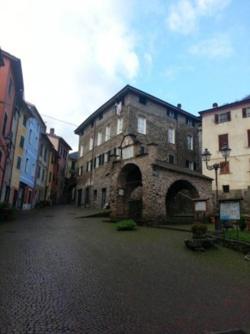 Appartamento in vendita a Pignone, 4 locali, prezzo € 87.000 | CambioCasa.it