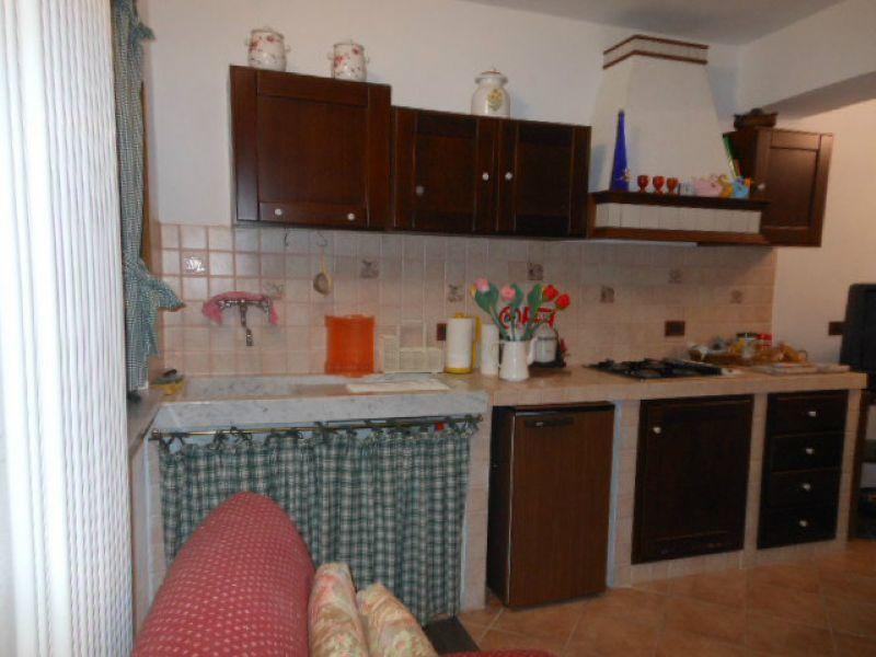 Appartamento in vendita a Beverino, 4 locali, prezzo € 80.000 | Cambio Casa.it