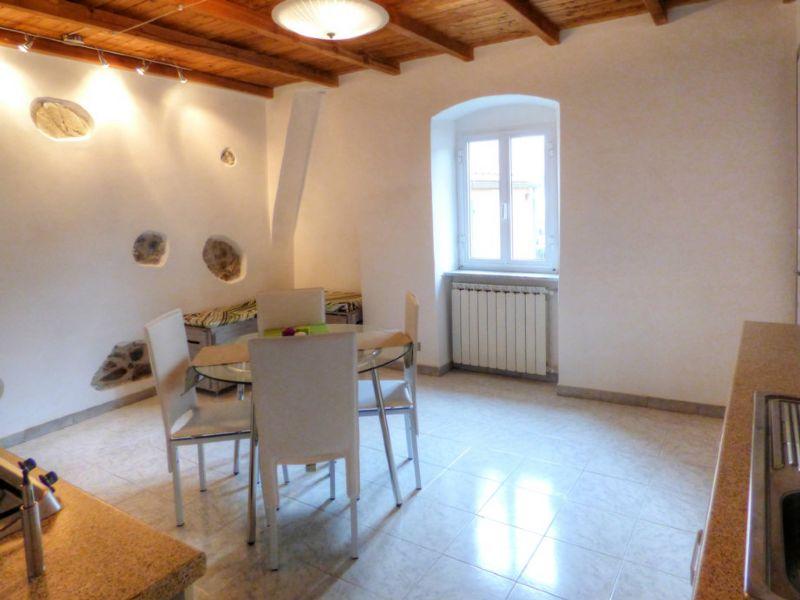 Appartamento in vendita a Carrodano, 3 locali, prezzo € 78.000 | Cambio Casa.it