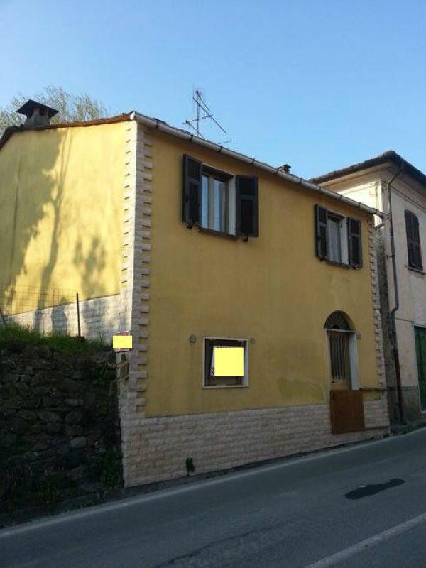Soluzione Indipendente in vendita a Borghetto di Vara, 5 locali, prezzo € 70.000 | CambioCasa.it