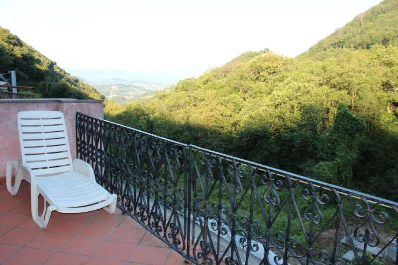 Palazzo / Stabile in vendita a Riccò del Golfo di Spezia, 7 locali, prezzo € 139.000 | Cambio Casa.it