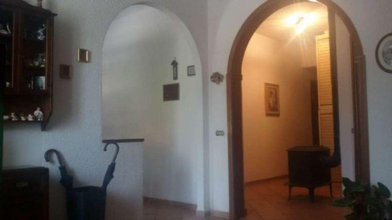 Appartamento in vendita a Riccò del Golfo di Spezia, 5 locali, prezzo € 142.000 | Cambio Casa.it