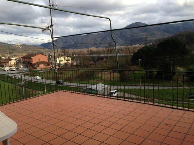 Appartamento in vendita a Beverino, 5 locali, prezzo € 90.000 | Cambio Casa.it