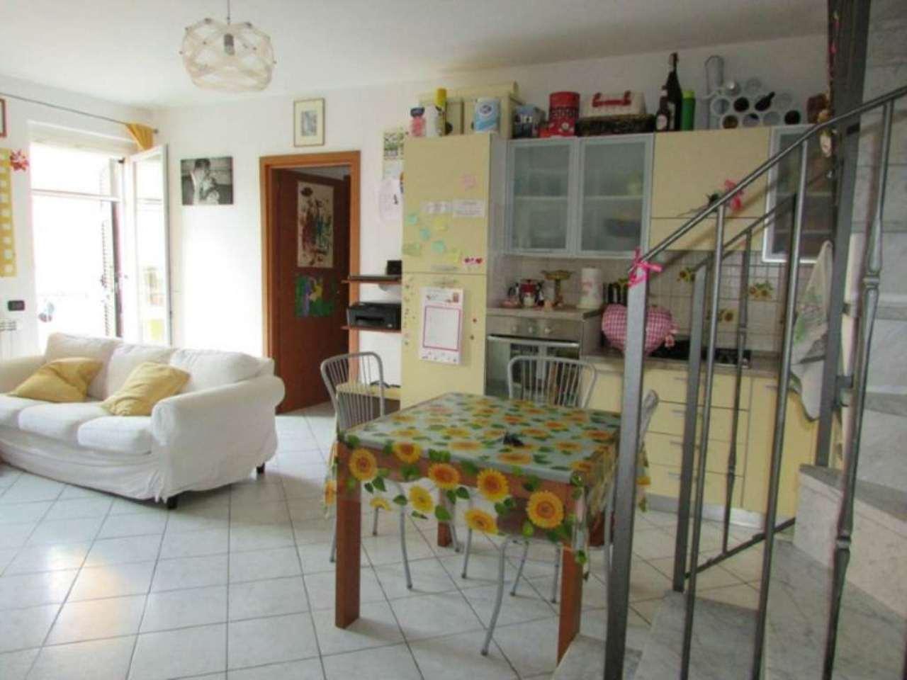 Appartamento in vendita a Riccò del Golfo di Spezia, 4 locali, prezzo € 150.000 | CambioCasa.it