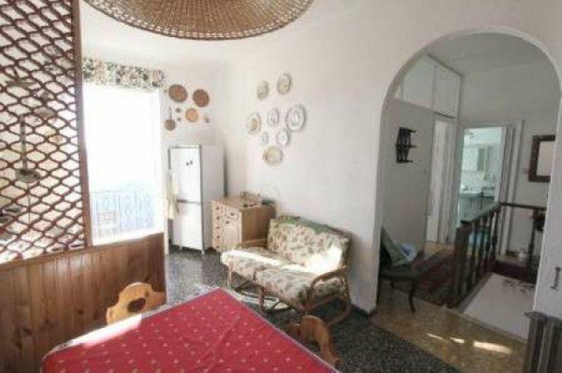 Appartamento in vendita a Beverino, 5 locali, prezzo € 65.000 | Cambio Casa.it
