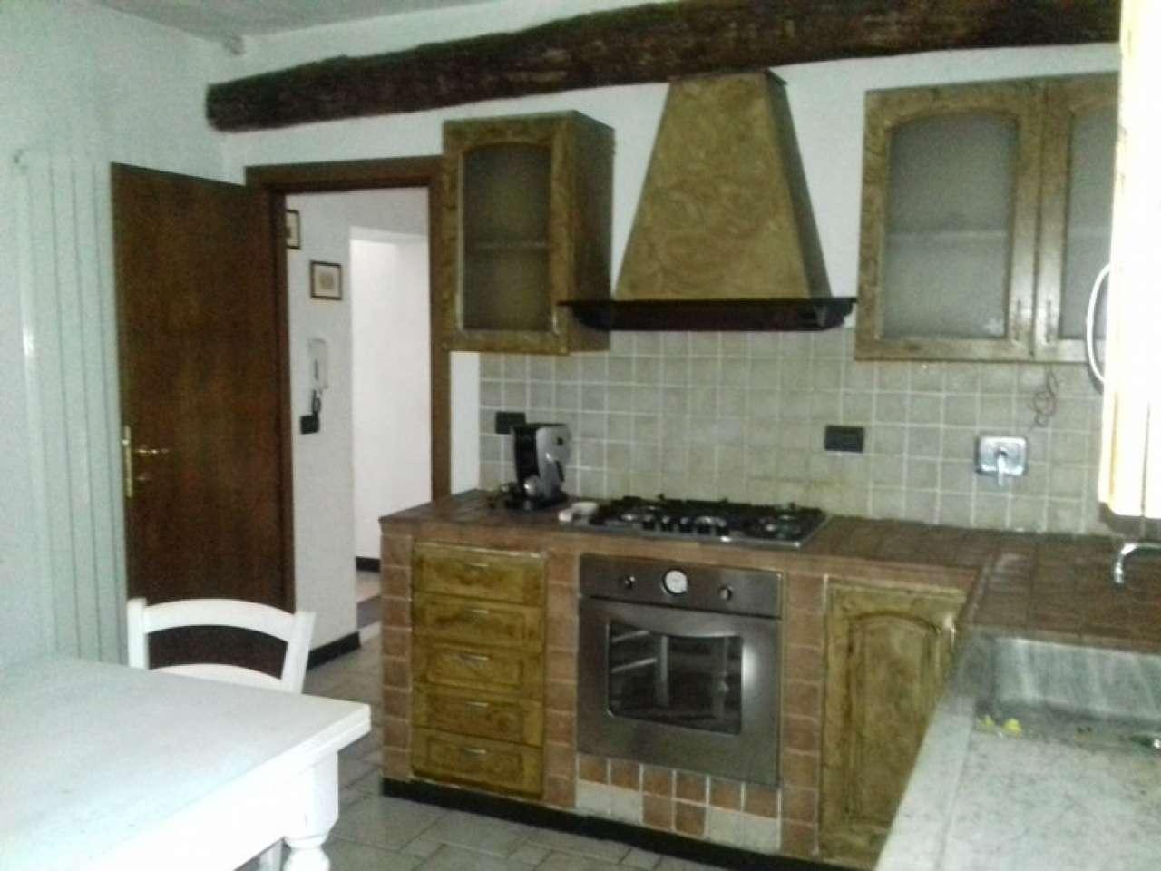 Palazzo / Stabile in vendita a Riccò del Golfo di Spezia, 5 locali, prezzo € 175.000 | Cambio Casa.it