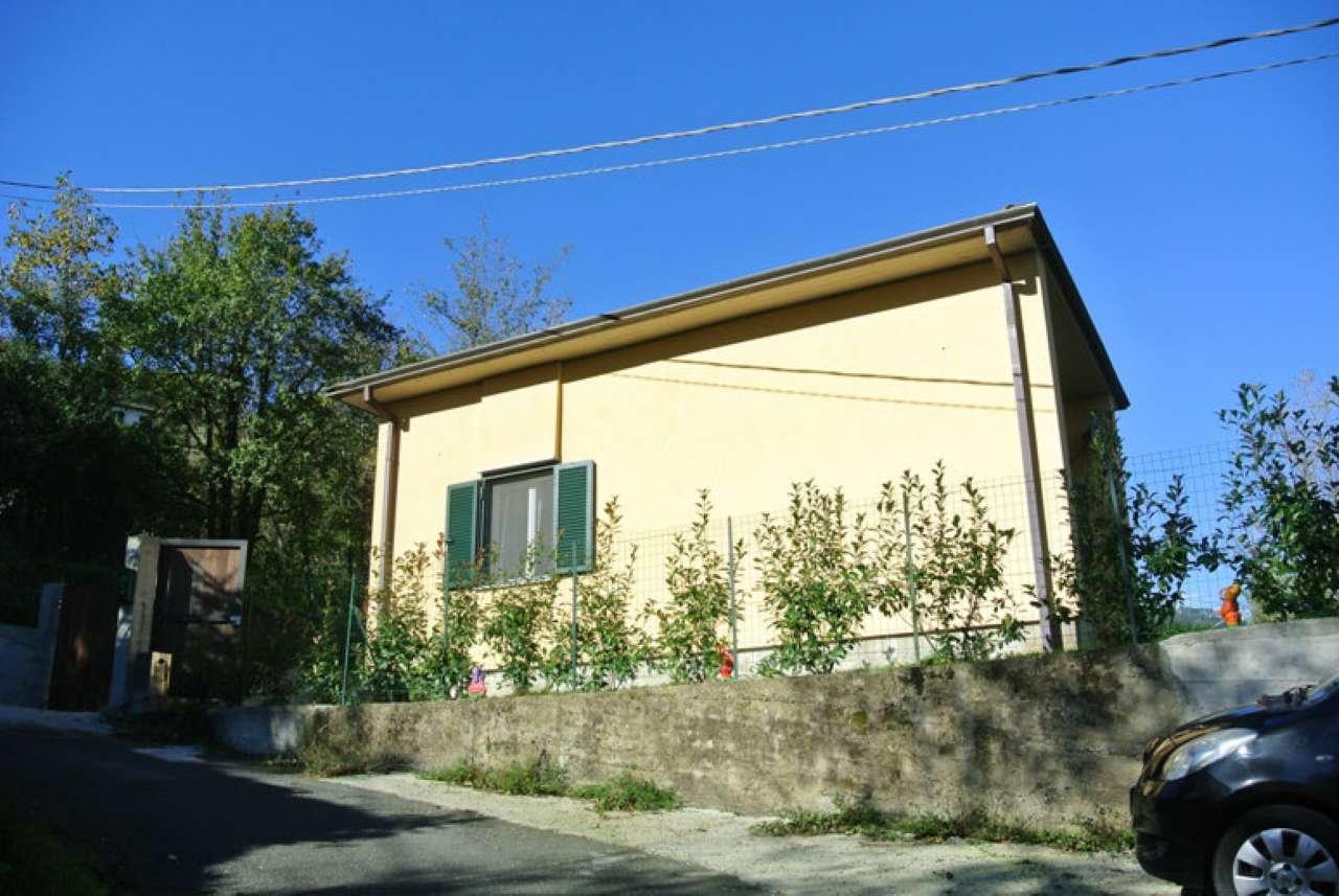 Soluzione Indipendente in vendita a Beverino, 4 locali, prezzo € 160.000 | Cambio Casa.it