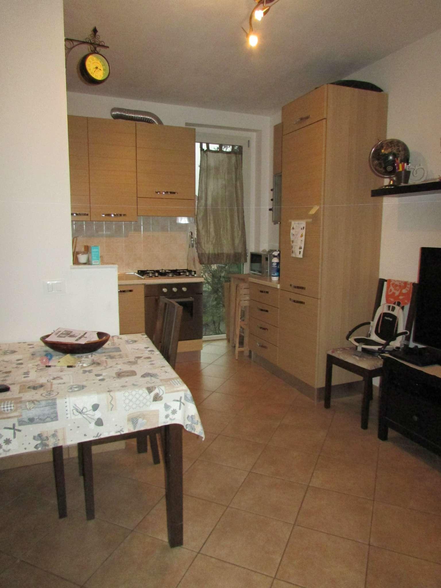 Appartamento in vendita a Riccò del Golfo di Spezia, 4 locali, prezzo € 128.000 | CambioCasa.it