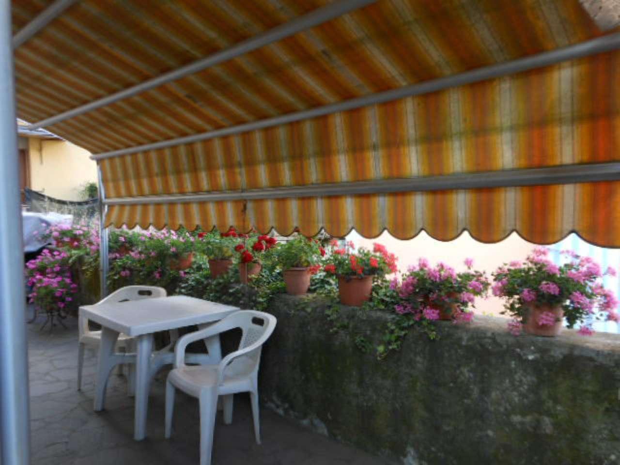 Appartamento in vendita a Riccò del Golfo di Spezia, 6 locali, prezzo € 150.000 | CambioCasa.it