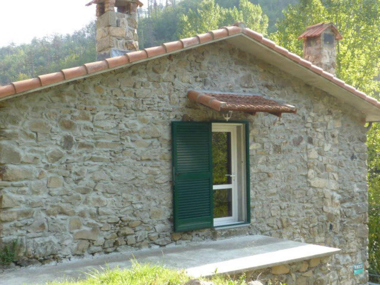 Soluzione Indipendente in vendita a Borghetto di Vara, 5 locali, prezzo € 120.000 | CambioCasa.it