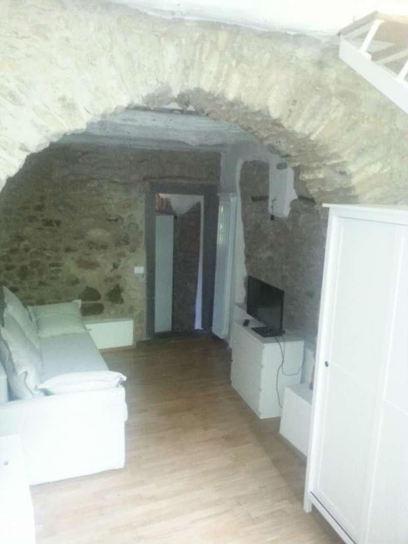 Appartamento in vendita a Riccò del Golfo di Spezia, 4 locali, prezzo € 130.000 | CambioCasa.it