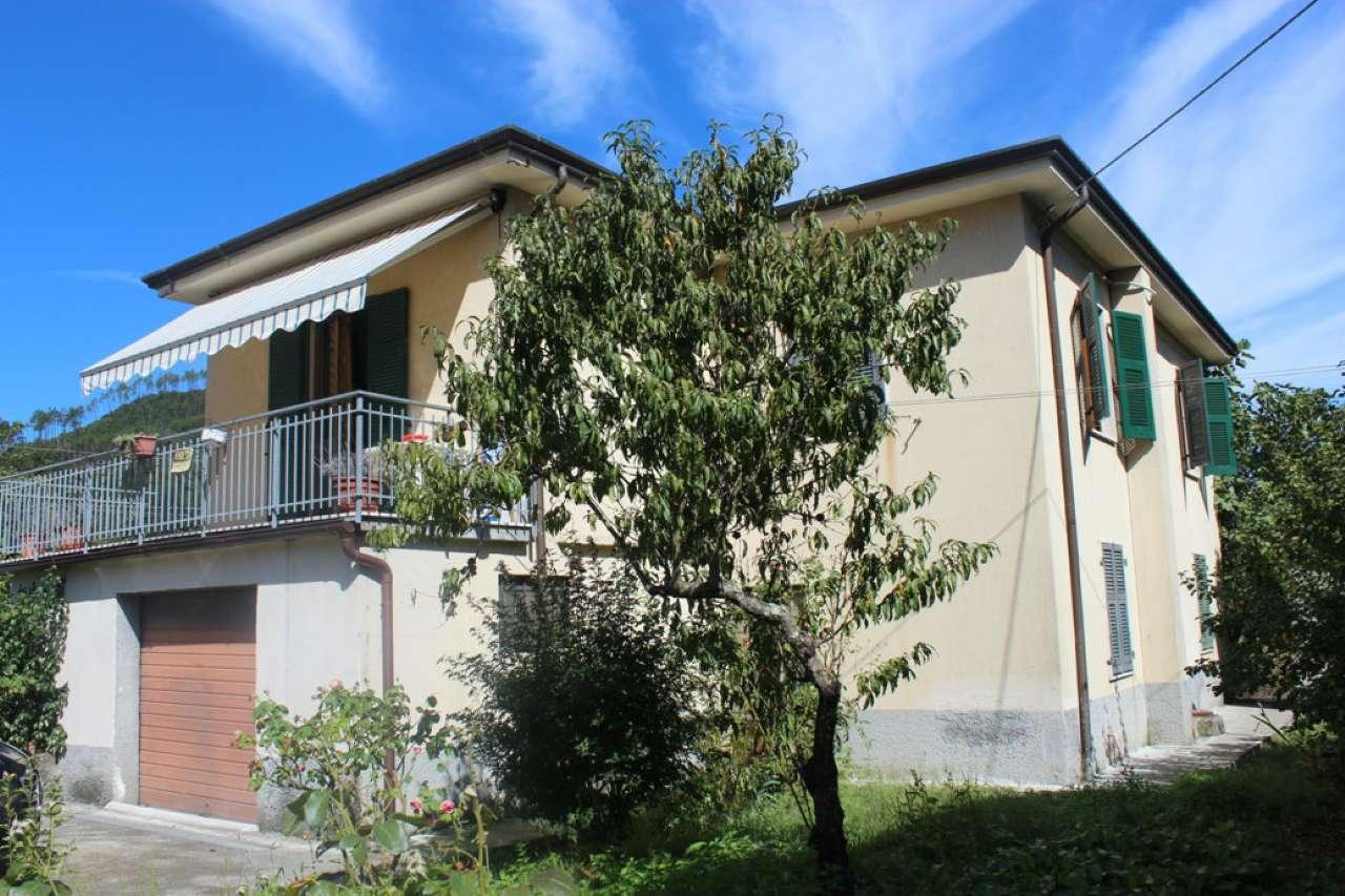Soluzione Indipendente in vendita a Riccò del Golfo di Spezia, 10 locali, prezzo € 185.000 | CambioCasa.it