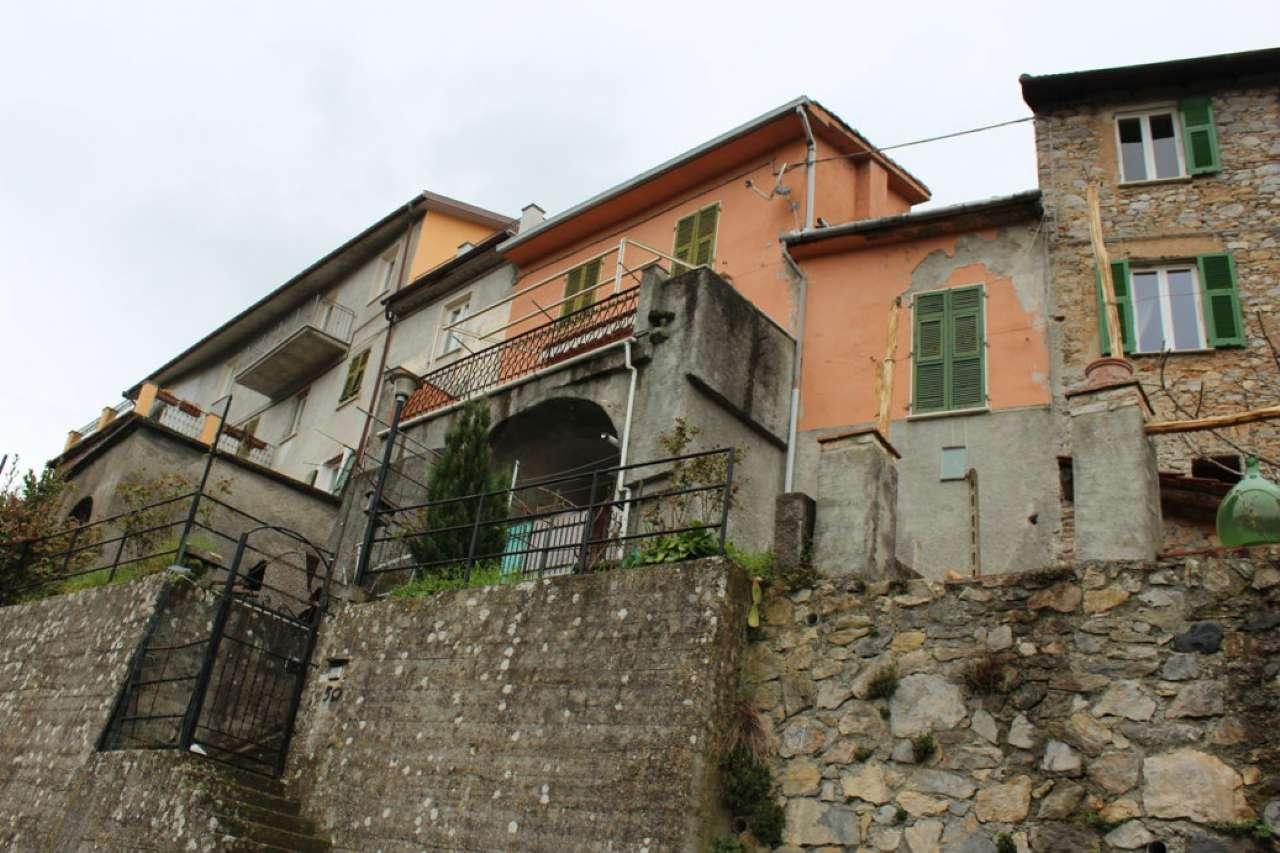 Palazzo / Stabile in vendita a Riccò del Golfo di Spezia, 6 locali, prezzo € 150.000 | Cambio Casa.it