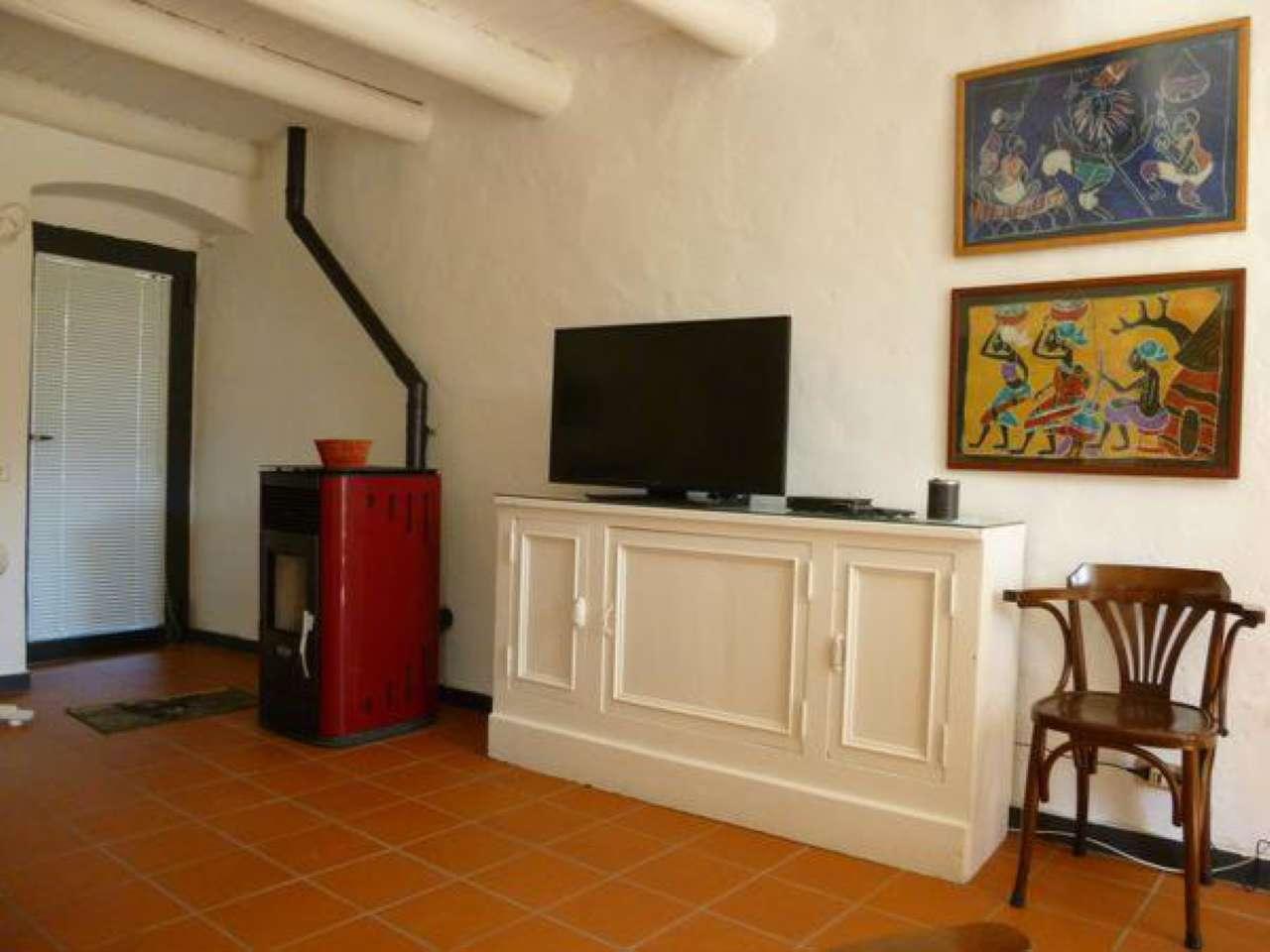 Appartamento in vendita a Beverino, 4 locali, prezzo € 115.000 | Cambio Casa.it