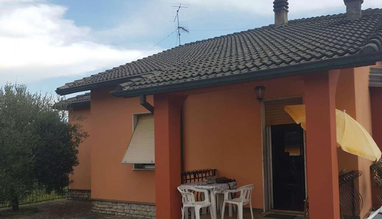 Soluzione Indipendente in vendita a Riccò del Golfo di Spezia, 7 locali, prezzo € 320.000 | CambioCasa.it